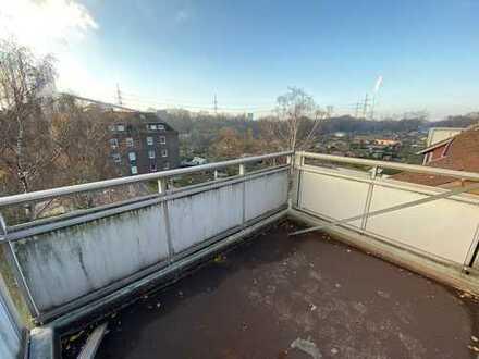 Großfamilie aufgepasst !! 5 Zimmer verteilt auf 112qm mit Balkon im Herzen von Marxloh