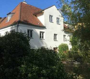 Haus im Franzosenhof - Einzelbaudenkmal - liebevoll saniert - 6ZKB
