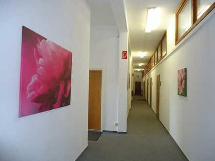 Ihr neues Atelier / Büro, Lager o.ä. in super Lage und mit tollen Ausblick!!