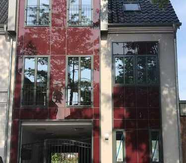 2- Zimmer Dachterrassen- Wohnung. Freier Blick in den Dachgarten
