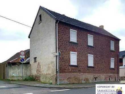 *Bauernhof/Resthof + Einliegerwohnung mit viel Potential in ruhiger Lage Zülpichs 500 m² Grundstück*