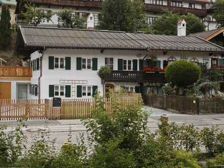 Tegernsee-Rarität!Erstbezug! Kernsanierte 4 Zi. DG-Wohnung & 2 Terrassen in denkmalgeschütztem Haus!