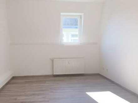 ***Renovierte und Komfortable 2,5 Zi.-Whg. in Do.-Hombruch / Angucken-Anklicken-Anmieten***