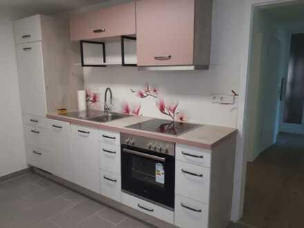 Erstbezug nach Sanierung mit Einbauküche und Terasse: ansprechende 2,5-Zimmer-Wohnung in Backnang