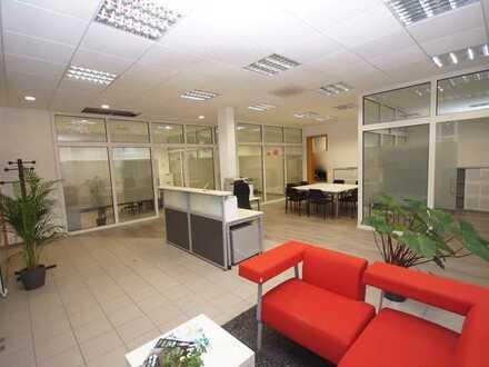 Helle Gewerbefläche im EG eines Wohn-und Geschäftshauses provisionsfrei zu verkaufen