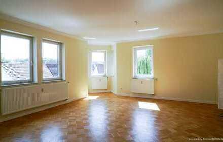 5,5-Zimmer-Wohnung mit überdachtem Balkon und Garage in der Innenstadt