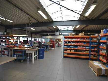 Gewerbehalle mit 2 Büros, 2 x WC, Kl. Sozialraum und 10 Stellplätzen in Nordhorn zu vermieten.