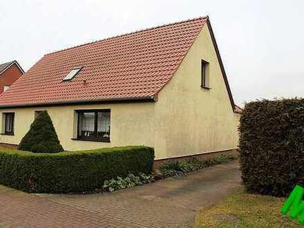 + Maklerhaus Stegemann + gepflegtes Einfamilienhaus in reizvoller Lage mit unverbauten Weitblick