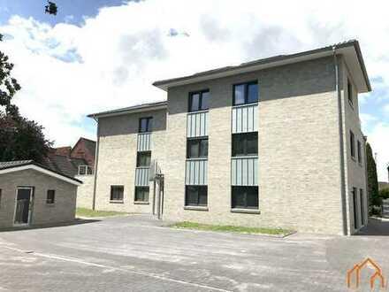 Hochwertige Neubau-Obergeschosswohnung (Nr. 8) zentral in Leer-Loga mit Süd-Dachterrasse!