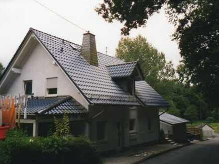 Schöne zweieinhalb Zimmer Wohnung in Pracht (Kreis Altenkirchen)