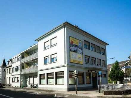 Singleappartement mit guter Verkehrsanbindung und Stellplatz für einen PKW.
