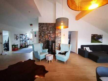 Neuwertige großzügige 3-Zimmer-Penthouse-Wohnung mit Balkon in Nideggen