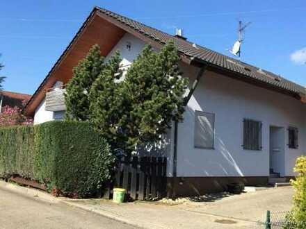 Schönes sehr grosszügiges Einfamilienhaus in Feldrandlage von Aichwald bei Esslingen! -- Spacious...