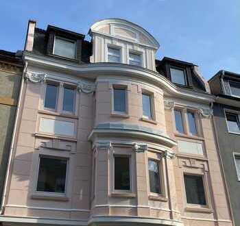 Kapitalanlage: Vermietete 4-Zimmer-Wohnung in kernsaniertem Stadthaus - Uninähe