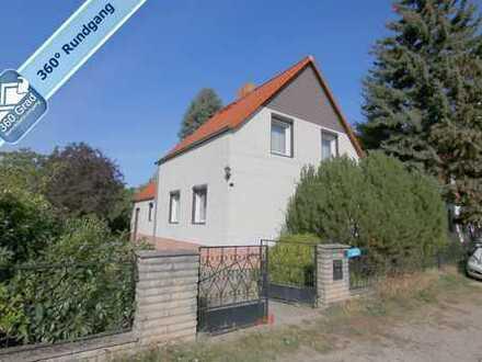 Gepflegtes Einfamilienhaus auf großem Grundstück in ruhiger Lage von Berlin-Mahlsdorf