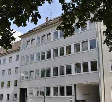 100 m² in gepflegtem Verwaltungsgebäude