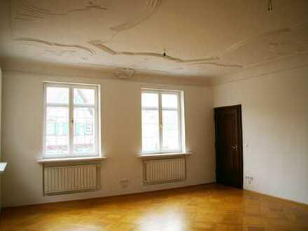 Hochwertige 4-Zimmer Wohnung Marktplatz Biberach