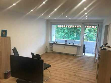 Stilvolle, sanierte 2-Zimmer-Wohnung mit Balkon und EBK in Leimen