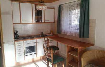 Stilvolle, neuwertige 1,5-Zimmer-Wohnung mit Einbauküche in Dobel