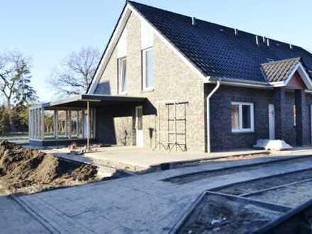 Barßel, KfW 55, hochwertig erstellte Doppelhaushälfte mit Carport zum 15.04.2018 zu vermieten