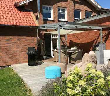 Schöne 5-Zimmer-Wohnung mit großem eigenen Garten in Waabs
