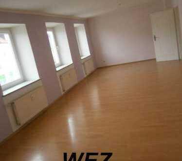 Ansprechende 5-Zimmer-Wohnung mit Balkon in Rohr