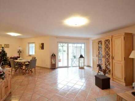 Schöne, geräumige zwei Zimmer Wohnung in Offenbach am Main, Lauterborn
