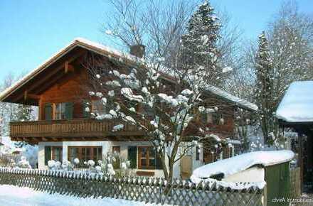elvirA - Mittenwald Bestlage, attraktives Zweifamilienhaus mit großem Garten zur Kapitalanlage