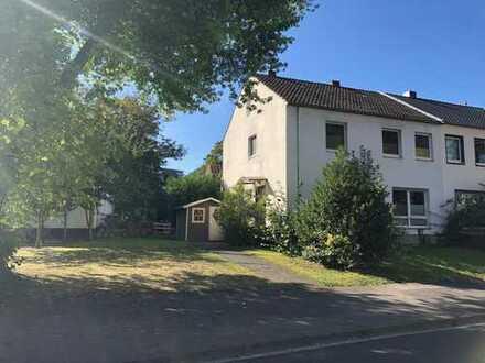 Gemütliche Doppelhaushälfte in direkter Rheinlage sucht neuen Eigentümer!