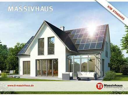 Massiv für Generationen. Schickes Einfamilienhaus auf tollem Grundstück in Tiftlingerode