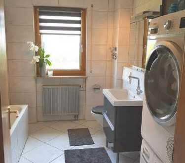 Lichtdurchflutete 3 Zi. DG Wohnung mit Loggia in Langenzenn / Wohnung kaufen