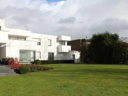 Direkte Rheinlage in Stammheim! Moderne 4-Zimmer-Wohnung mit großer Terrasse und Traumblick!