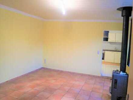 Erdgeschosswohnung in zentraler Lage mit Einbauküche!