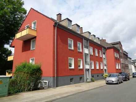 * Provisionsfrei ! * Freie 4- Raum Wohnung im Haus Emil-Kemper-Str. 16 in Top Lage Essen-Kettwig !