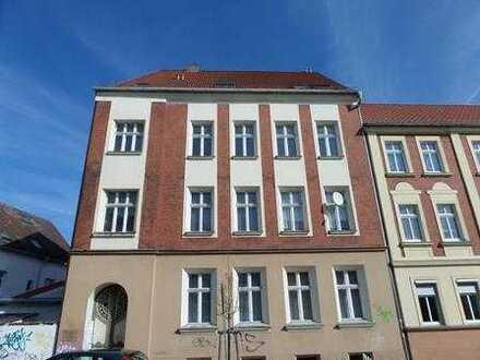 +++2-Raumwohnung (2.OG/vermietet) in 14712 Rathenow zu verkaufen - für Kapitalanleger+++