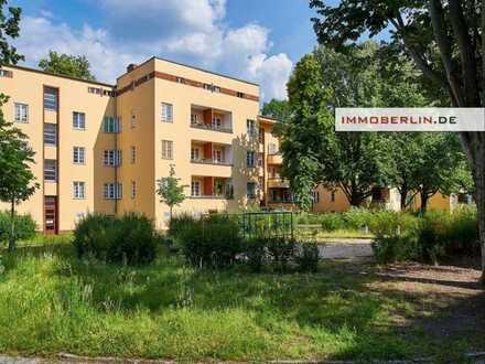 IMMOBERLIN: Attraktive vermietete Altbauwohnung in behaglicher Lage