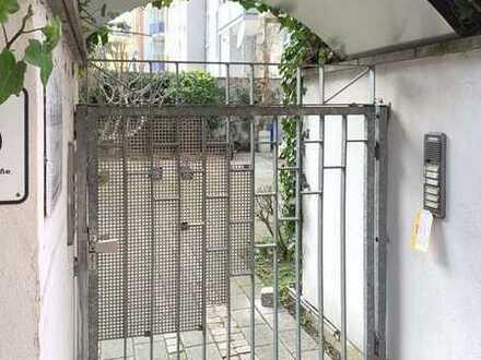 # Elegante 3,5 Zi-Wohnung mit Süd-Balkon - kernsaniert