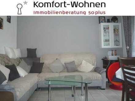 Ruhiges Haus sucht nette Nachbarn! 3-Zimmer-Wohnung mit Balkon, Garage und Mansarde