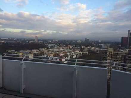 Ihr Blick über Köln, helle 2 Zimmerwohnung mit Dachterrasse!