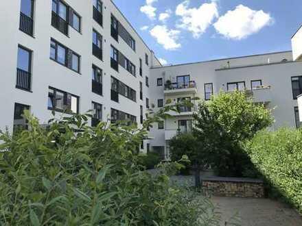 Glasbläserhöfe: Tolle 4 Zimmer-Wohnung mit Dachterrasse und Blick ins Blaugrüne!