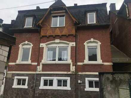 Schönes Haus mit sechs Zimmern in Idar-Oberstein.