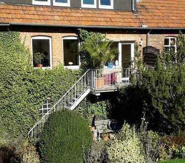 große 3-Zimmer-Wohnung mit Balkon und Gartenterasse in Büren