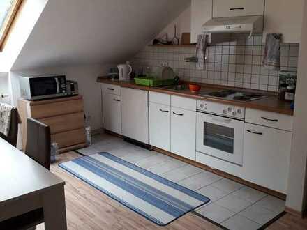 Schöne 2-Zimmer-Dachgeschoss-Wohnung ohne Balkon