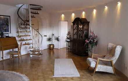 Exklusive und individuelle 3-Zimmer-Wohnung auf 2 Ebenen, von privat an privat