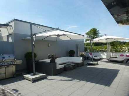 TOMAX Immobilien: Exclusives Luxus-Penthouse mit traumhaften Außenterrassen