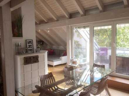 Helle 3-Zimmer-DG-Wohnung mit Loggia und Einbauküche in Wolkersdorf