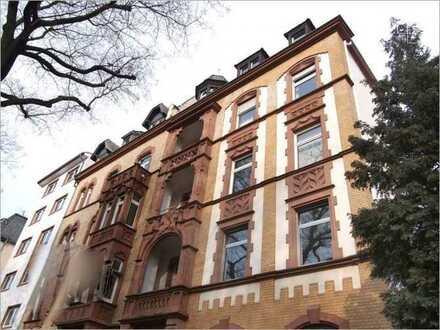 Exklusive, neuwertige 5-Zimmer-Wohnung mit Balkon und EBK in Frankfurt am Main