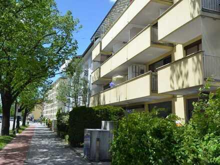 Helles Appartement mit sonnigem Balkon in zentraler Lage