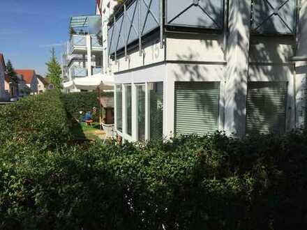 Exklusive Vier-Zimmer-Wohnung mit Gartenanteil direkt im Nellinger Stadtzentrum