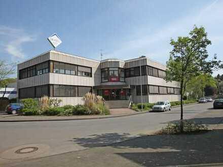 Repräsentative Gewerbeimmobilie mit Büro- und Lagerflächen in sehr guter Lage von Monheim